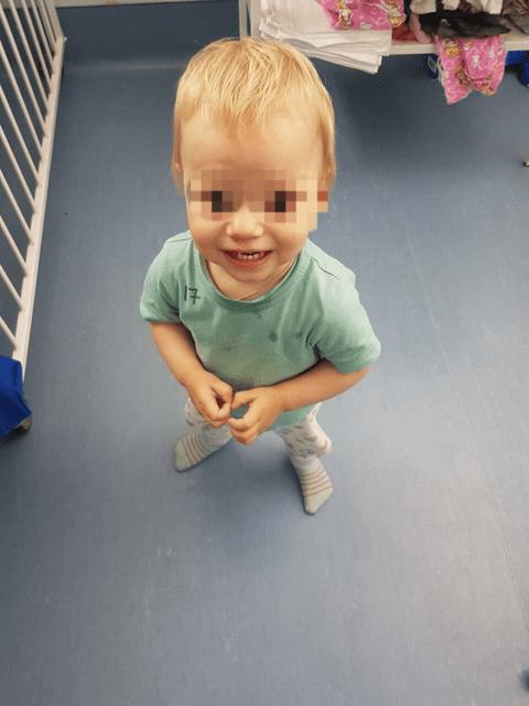 Дети без родителей, сироты фото
